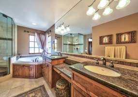4 Rooms, Homes, For sale, Rosewood, 3 Bathrooms, Listing ID 1001, Incline Village, Nevada, United States,  89451,